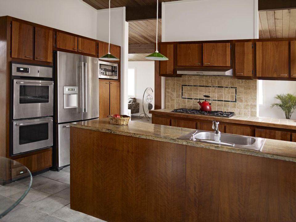 Oak kitchen cabinet in Mission viejo